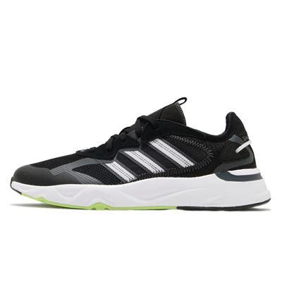男款adidas跑鞋