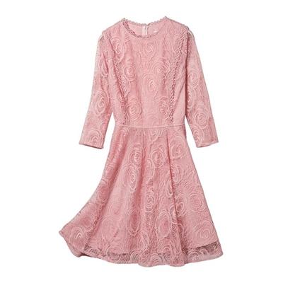 蕾絲粉嫩洋裝